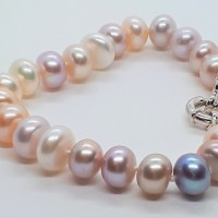 Pearl bracelet by Janis Prestbury
